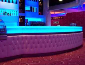 Bancone bar e piano di appoggio bagno